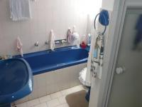 Bathroom 1 - 5 square meters of property in The Orchards