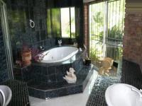 Main Bathroom - 20 square meters of property in The Orchards