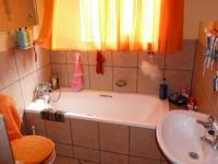 Main Bathroom - 6 square meters of property in Eloffsdal