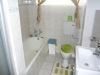 Bathroom 1 - 8 square meters of property in Florida Park