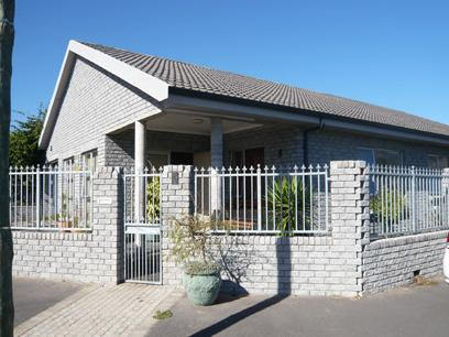 3 Bedroom House for Sale For Sale in Strand - Home Sell - MR06227