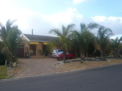 3 Bedroom House for Sale For Sale in Edgemead - Private Sale - MR06244