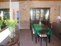 Dining Room - 17 square meters of property in Monte Vista
