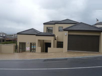 5 Bedroom House for Sale For Sale in Parklands - Home Sell - MR06255