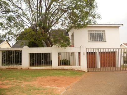 Standard Bank EasySell 4 Bedroom House For Sale in Mondeor - MR062787
