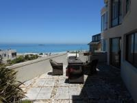 4 Bedroom 3 Bathroom in Bloubergstrand
