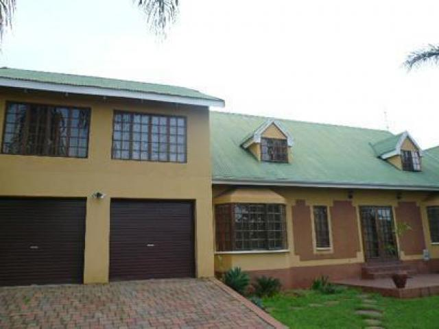 Standard Bank EasySell 4 Bedroom House For Sale in Kingsview - MR063083