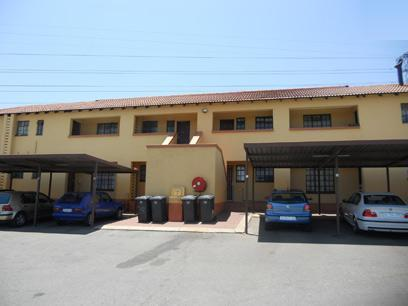 Standard Bank EasySell 2 Bedroom Sectional Title for Sale For Sale in Roodepoort West - MR063406