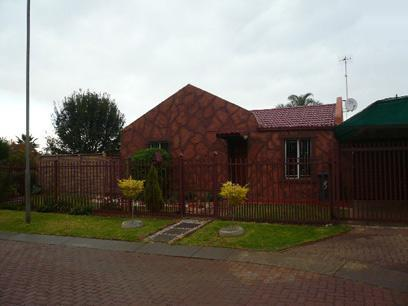 3 Bedroom House for Sale For Sale in Elandspoort - Home Sell - MR06355