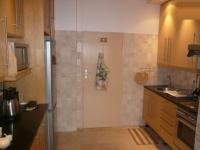 Kitchen - 10 square meters of property in Gardens