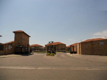Standard Bank EasySell 2 Bedroom Sectional Title for Sale For Sale in Ravensklip - MR063756
