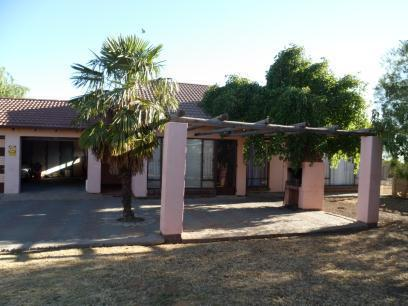 Standard Bank EasySell 3 Bedroom House for Sale For Sale in Bloemfontein - MR063760