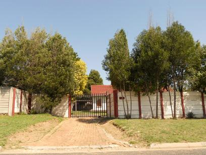 Standard Bank EasySell 3 Bedroom House For Sale in Birch Acres - MR063787