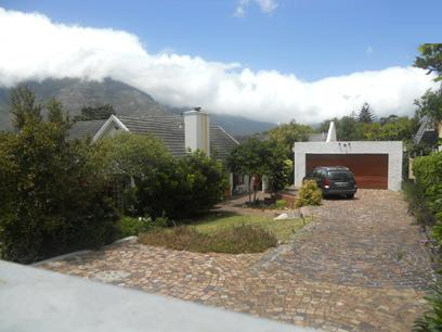 Standard Bank EasySell 3 Bedroom House For Sale in Hout Bay   - MR063888
