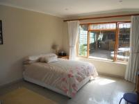 Bed Room 1 - 17 square meters of property in Dunvegan