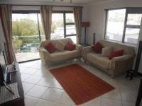 Lounges - 25 square meters of property in Bloubergstrand