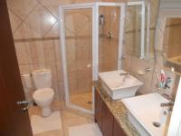 Bathroom 1 - 6 square meters of property in Bloubergstrand