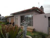 3 Bedroom 2 Bathroom in Mindalore