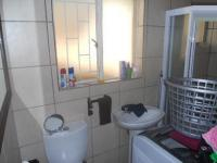 Bathroom 1 - 6 square meters of property in Krugersdorp
