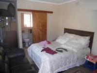 Bed Room 1 - 18 square meters of property in Krugersdorp