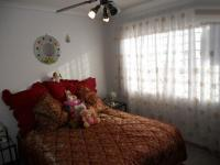 Main Bedroom - 15 square meters of property in Linmeyer