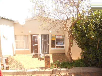 Standard Bank Repossessed 2 Bedroom Simplex for Sale on online auction in Florida - MR06504