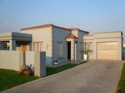 Myroof 3 Bedroom House For Sale In Heatherview Home