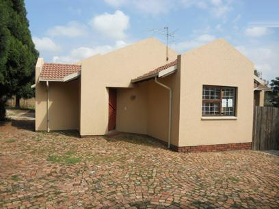 Standard Bank Repossessed 3 Bedroom House for Sale For Sale in Buccleuch - MR06528