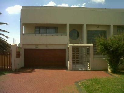 Standard Bank Repossessed 3 Bedroom House for Sale For Sale in Lenasia South - MR065442