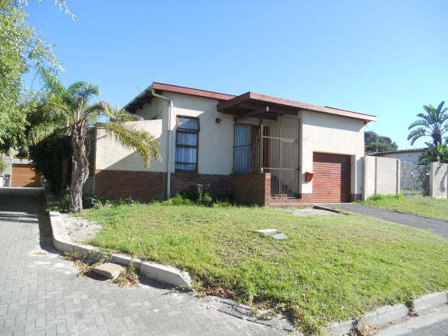 Standard Bank EasySell 3 Bedroom House For Sale in Brackenfell - MR065512