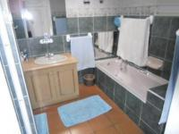 Main Bathroom - 8 square meters of property in Wilderness