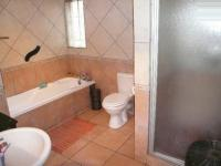 Bathroom 1 - 12 square meters of property in Zwartkop