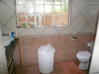 Main Bathroom - 9 square meters of property in Zwartkop