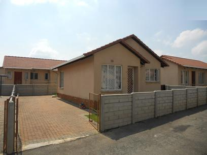 Standard Bank EasySell 2 Bedroom Sectional Title for Sale For Sale in Ormonde - MR065948