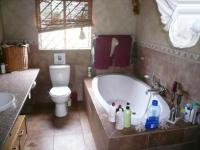 Bathroom 1 - 9 square meters of property in Kameeldrift