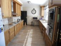 Kitchen - 31 square meters of property in Kyalami Gardens