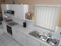 Kitchen - 10 square meters of property in Maitland Garden Village