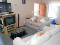 Lounges - 22 square meters of property in Maitland Garden Village