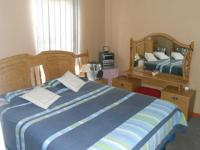 Main Bedroom - 8 square meters of property in Maitland Garden Village