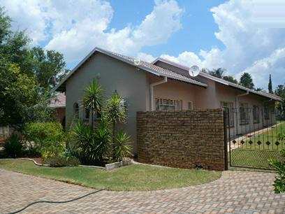 3 Bedroom House for Sale For Sale in Wilkoppies - Home Sell - MR067045