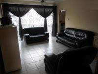 Lounges - 35 square meters of property in Benoni