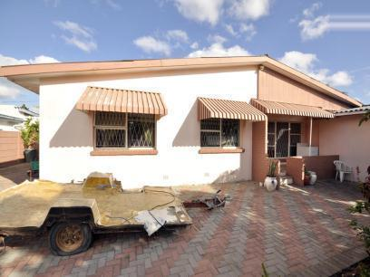 Standard Bank EasySell 3 Bedroom House For Sale in Westering - MR067112
