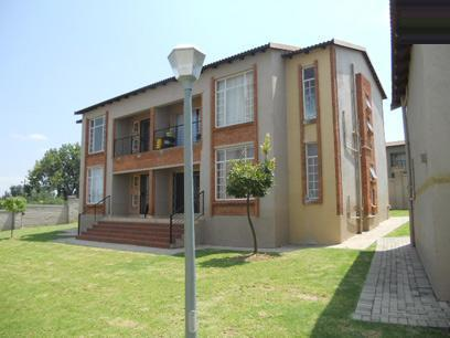 2 Bedroom House For Sale in Laser Park - Private Sale - MR067234