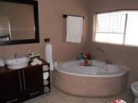 Main Bathroom - 10 square meters of property in Norkem park