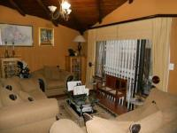 Lounges - 89 square meters of property in Eldoraigne