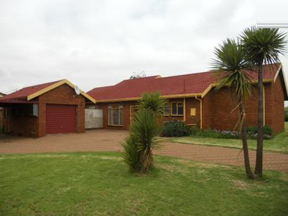 4 Bedroom House For Sale in Springs - Private Sale - MR067421