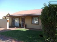5 Bedroom 2 Bathroom in Paarl