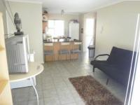 Lounges - 16 square meters of property in Bellville