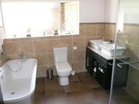 Main Bathroom - 8 square meters of property in Lynnwood Manor