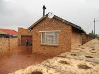 3 Bedroom 1 Bathroom in Daveyton